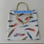 Details: Tasche Federn mit Bambusgriff